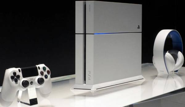 PS4 White console Vs black | Product Reviews Net
