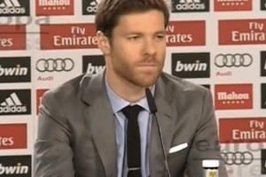 Xabi Alonso Bayern Munich transfer with FIFA 15 downgrade